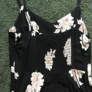 Old Navy Dresses - Beautiful black and white sundress Old Navy